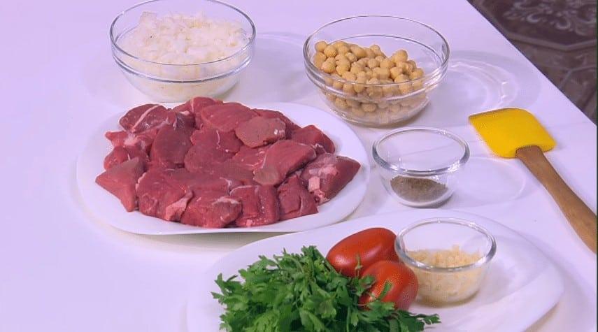 مقادير طريقة عمل طاجن لحمة بالبصل و الحمص