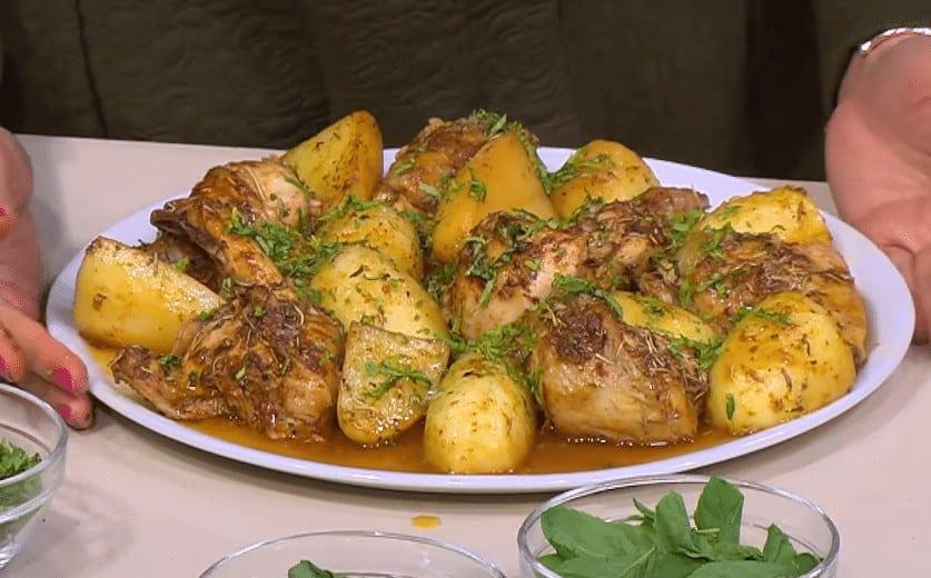 طريقة عمل دجاج بالبطاطس بالطريقة اليونانية