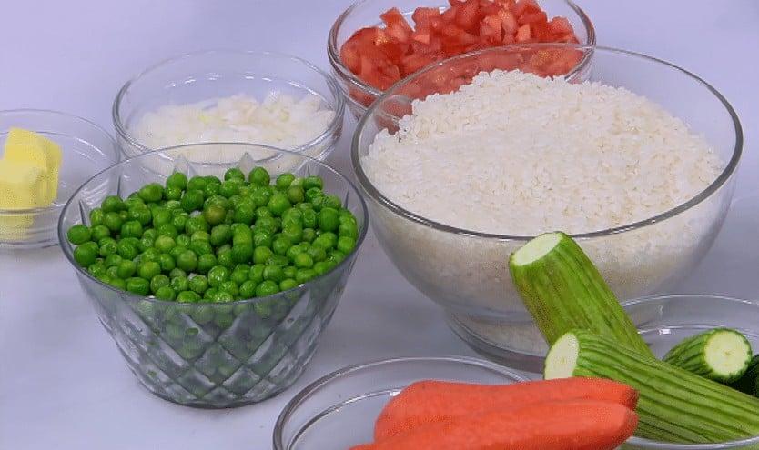 مقادير طريقة عمل أرز بالخضار في الفرن