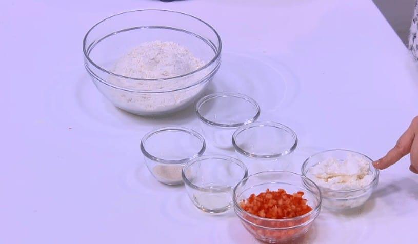 مقادير طريقة عمل ضفيرة الجبنه و الفلفل