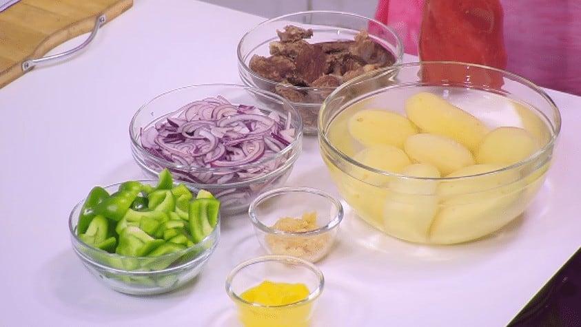 مقادير طريقة عمل صينية بطاطس باللحمة