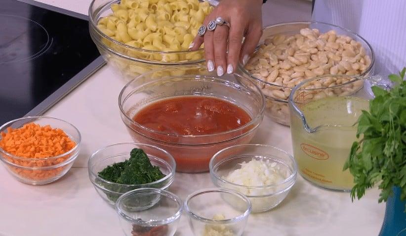 مقادير طريقة عمل شوربة طماطم بالفاصوليا