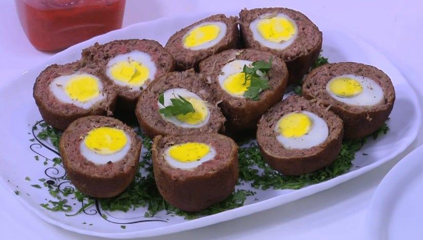 طريقة عمل البيض باللحمة المفرومة