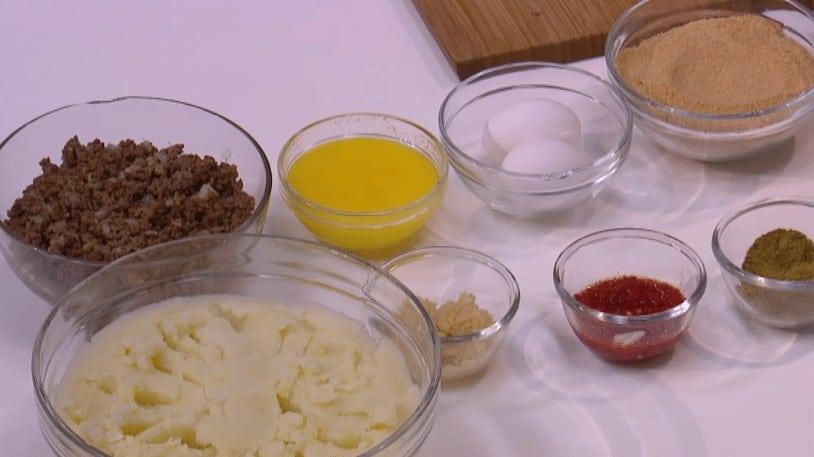 مقادير طريقة عمل بطاطس مهروسة باللحمة المعصجة