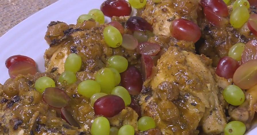 طريقة تحضير دجاج بالمستردة و العنب