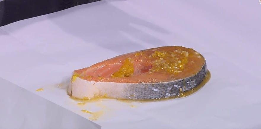 طريقة تحضير سالمون بصلصة البرتقال